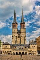 halle saale, deutschland - 21.06.2019 - marktkirche unser lieben frauen