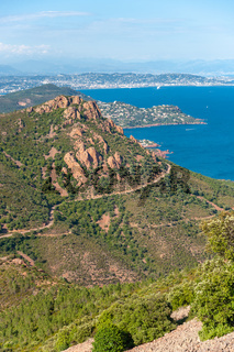 Aussicht vom Pic du Cap Roux bei Antheor