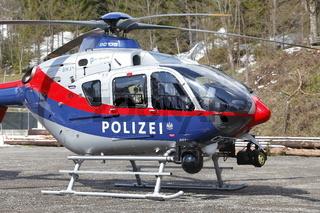 Polizeihubschrauber mit Wärmebildkamera