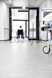 Rollstuhl Flur Krankenhaus Bett