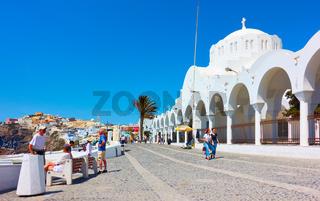 Promenade and Metropolitan Cathedral in Fira