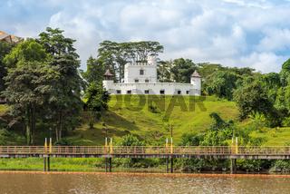 Die berühmte Brooke Gallery im Fort Margherita in der Stadt Kuching in Malaysia