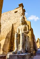 Statue of sitting pharaoh