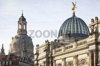 Kuppeln der Frauenkirche und der Kunstakademie,  Dresden, Sachsen, Deutschland, Europa