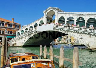 Venedig Rialtobruecke - Venice Rialto Bridge 01
