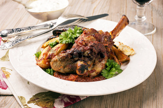 lamb knuckle roasted