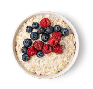 prepared oatmeal with berries