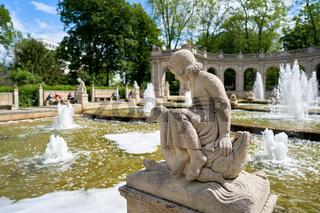 Figur am Märchenbrunnen im Volkspark Friedrichshain