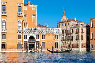 Gondel auf dem Canale Grande in Venedig