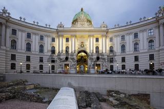 Hofburg zur blauen Stunde, Wien, Oesterreich, Europa