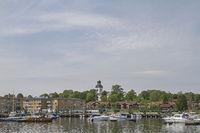 Amal at lake Vaener