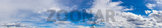 Textur Himmel blau mit Wolken Panorama