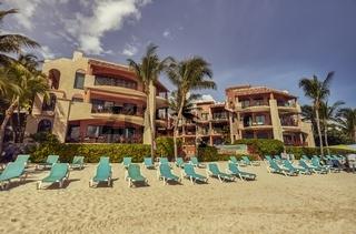 Beach establishment on the Playa del Carmen