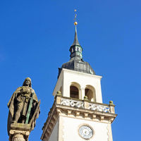 Old town of Güstrow: Historic Post office and statue of the fountain