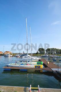 Sportboote im Jachthafen von Swinemünde an der Ostseeküste