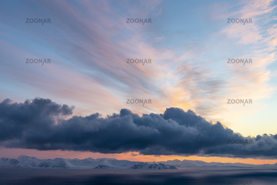 Evening mood, Barents Sea, Soeroeya Island, Finnmark, Norway