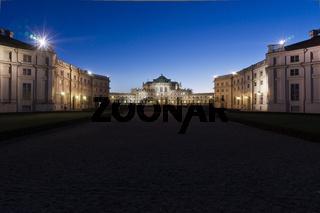 Das barocke Jagdschloss Palazzina di caccia di Stupinigi der Herzöge von Savoyen südlich von Turin