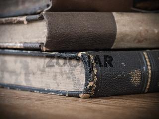 ein Stapel alter Bücher