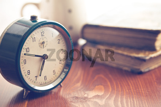 analog retro alarm clock