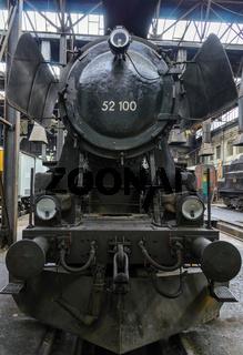 Frontansicht einer Dampflokomotive
