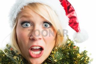 erschrockene weihnachtsfrau