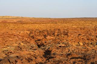Rotbraune Vulkanerde im Geothermalgebiet Dallol, Danakilsenke, Afar Dreieck, Äthiopien