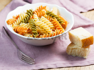 Spiral pasta with cheese