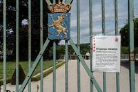 Warning for Corona in Weilburg Palace Garden