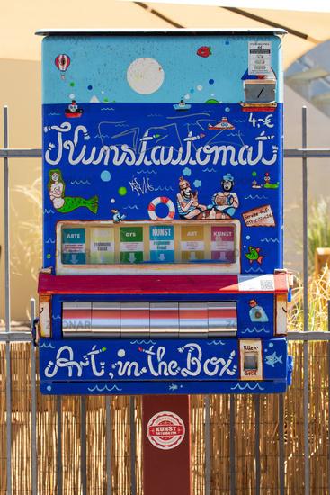 Art sale in Werder. Germany
