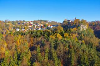 Hohnstein Burg in der Sächsischen Schweiz im Herbst - Hohnstein castle  in Elbe sandstone mountains in fall