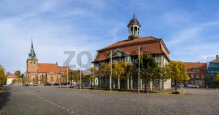Marienkirche und Rathaus in Boizenburg, Mecklenburg-Vorpommern, Deutschland
