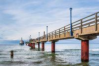 Seebrücke an der Ostseeküste in Zingst