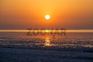 Sonnenaufgang über dem Assale Salzsee, Hamadela, Danakil Depression Afar Dreick, Äthiopien