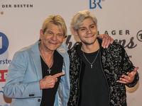 Matthias Reim mit Sohn Julian  bei Schlagerchampions 2020 am 11.01.2020 in Berlin