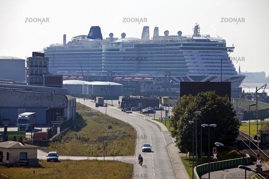 Cruise ship, cruise terminal of the Columbus Cruise Center on Columbuskaje, Bremerhaven, Germany