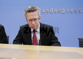 de Maizière and Hange on the IT security law.
