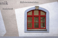Fassadendetail des Freiberger Theaters L1001404.jpg