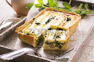 tarte with asparagus and spinach