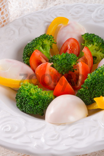 Marbled eggs with vegetables