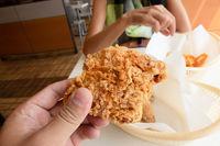 hold fry chicken