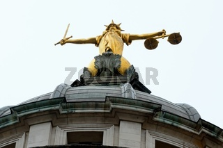 Justice statue old bailey