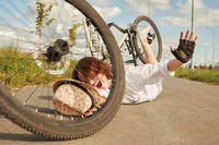 falling from the bicycle