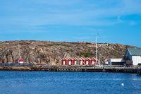 Blick auf den Ort Kungshamn in Schweden