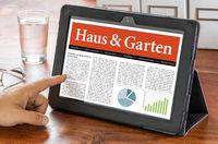 A tablet computer on a desk - House and Garden - Haus und Garten German