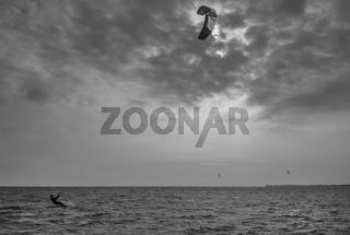 Ruegen - Surfer auf dem Greifswalder Bodden