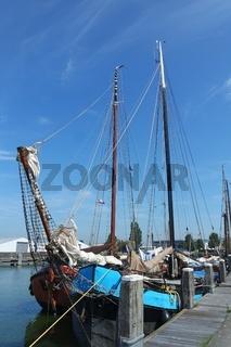 Segelschiffe in Stavoren. IJsselmeer, Niederlande