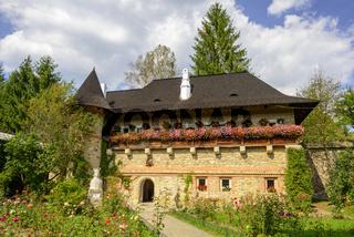 Moldovita Monastery - Haus im Innenhof