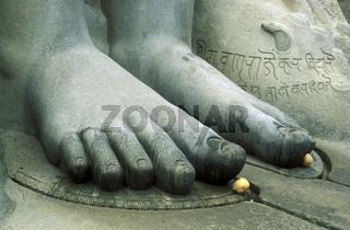 Der steinerne Buddha Gomateshvara in Sravanabelagola in der Provinz Karnataka in West Indien in Indien.