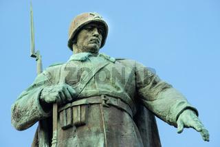 Sowjetisches Ehrenmal Berlin (Tiergarten)
