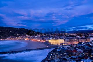 Blaue Stunde in San Sebastian